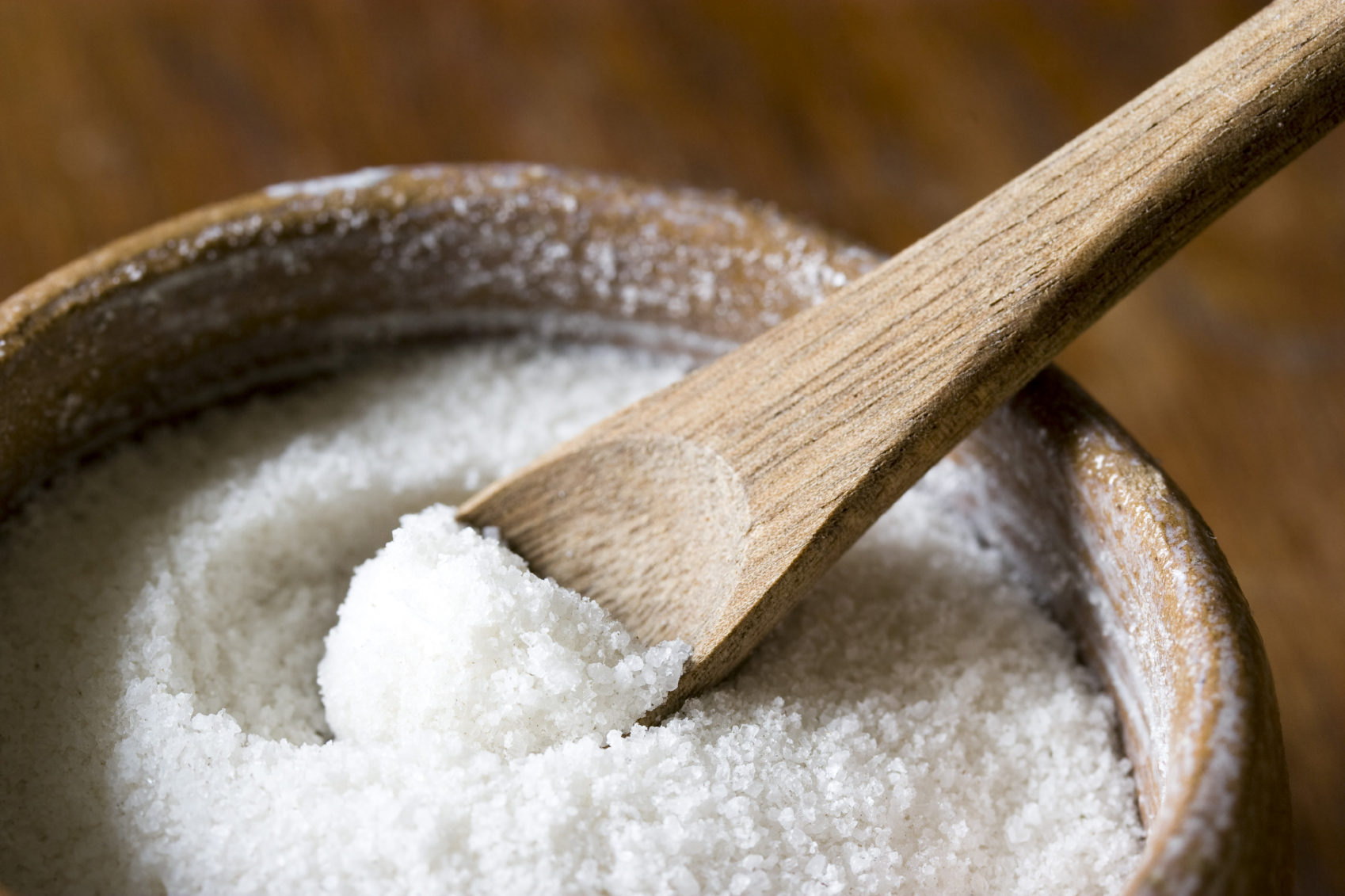 10 Wonderful benefits of using salt gargle